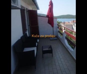 Kuća: Pirovac, dvokatnica, 233 m2 (prodaja)